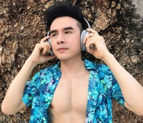 dan truong khoe body voi album vol 35 the best of remix