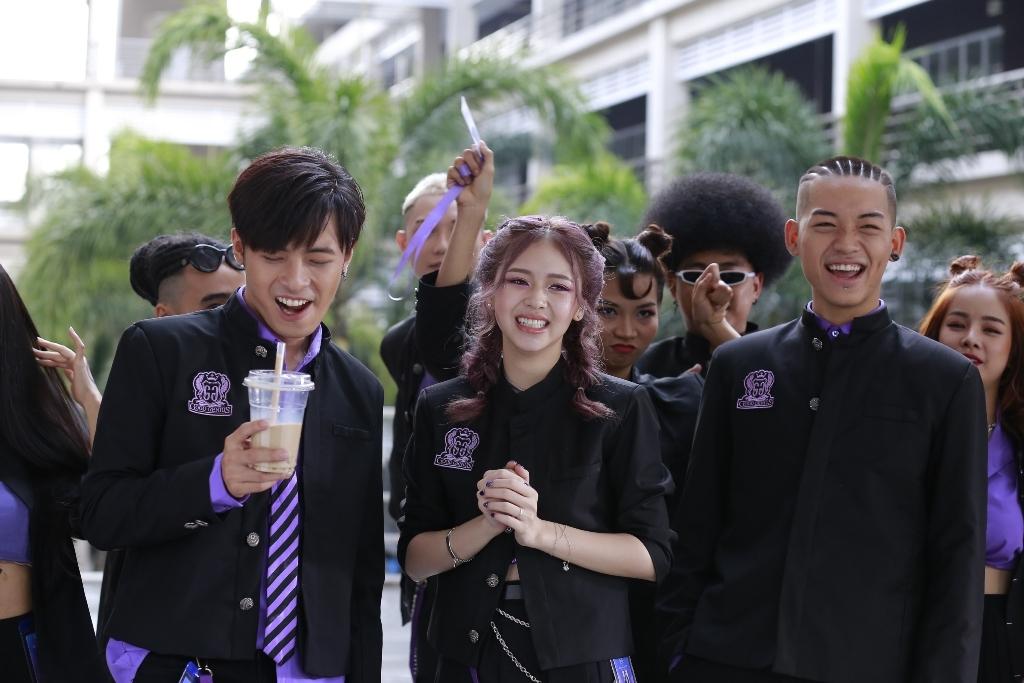 liz kim cuong khong khoi hoi hop khi lan dau hat nhac phim