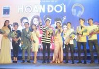 Đông đảo nghệ sĩ đến chúc mừng ngày ra mắt phim 'Hoán đổi'