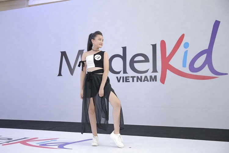 model kid vietnam 2019 chuong mau nhi hon nhien ngay tho
