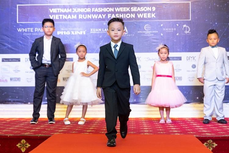 tuan le thoi trang cho nguoi mau chuyen nghiep vietnam runway fashion week mua dau tien chinh thuc bat dau