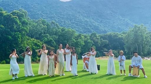 nghe si violin jmi ko va tinh yeu dac biet danh cho viet nam trong mv heal the world