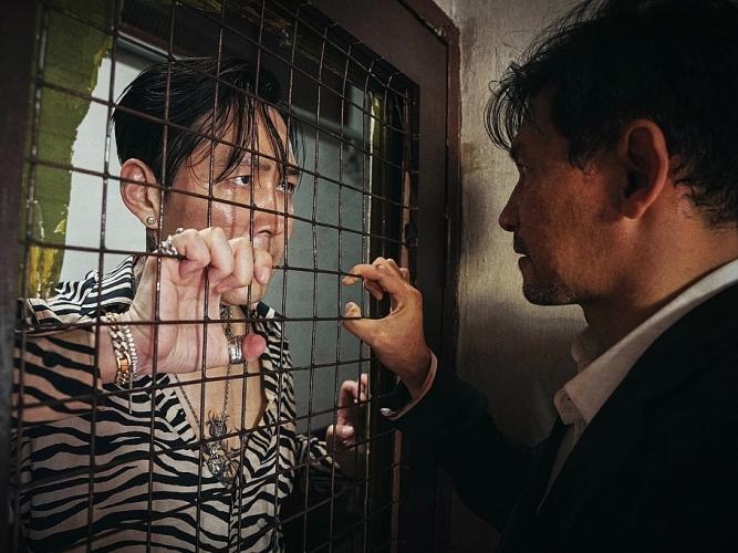 'Truy cùng giết tận':Cuộc tái ngộ của hai 'ông hoàng phòng vé'xứ Hàn Hwang Jung Min và Lee Jung Jae
