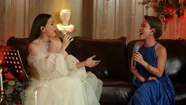 Hồ Ngọc Hà được Đức Trí đệm đàn lần đầu song ca cùng Uyên Linh thể hiện hàng loạt ca khúc hit