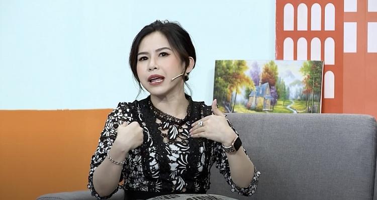 Tuổi thơ chỉ vì tội... ăn vụng, nghệ sĩ Ngân Quỳnh từng bị phạt đeo bảng, đứng ngã ba đường