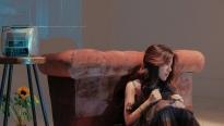 Phùng Khánh Linh 'đánh úp' người hâm mộ bằng single mới toanh
