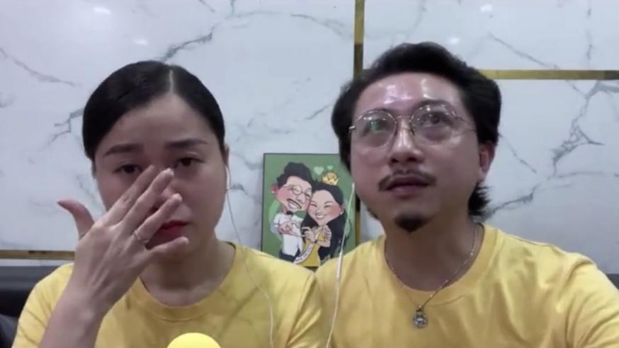 Lâm Vỹ Dạ khóc nghẹn trên sóng livestream, gửi lời cảm ơn đến các y bác sĩ và các tình nguyện viên