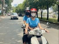 Hoa hậu Tiểu Vy, Á hậu Ngọc Thảo làm shipper giao cơm cho các chiến sĩ tuyến đầu chống dịch