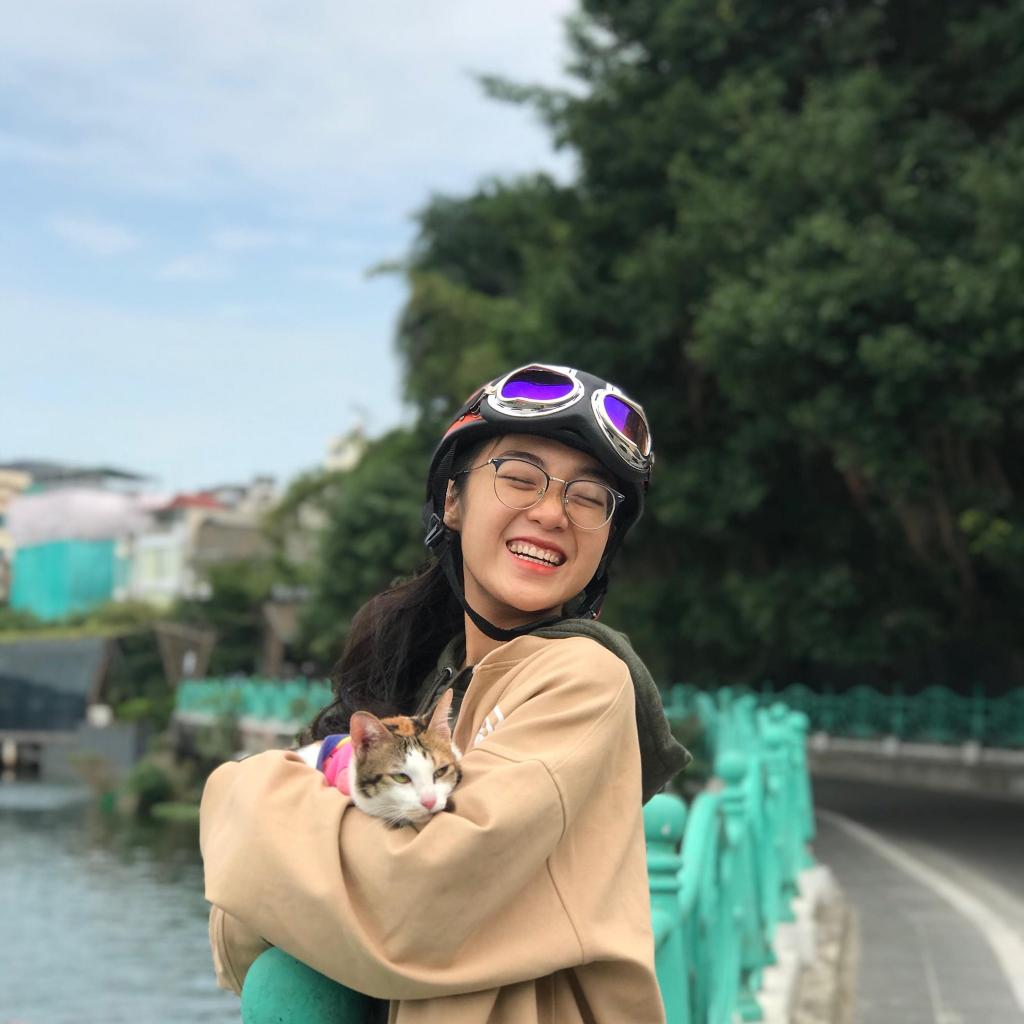 Chi Xê (Nguyễn Linh Chi) được cộng đồng Tiktok yêu mến vì các video nội dung rất dễ thương và tích cực