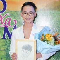 Nguyễn Anh Tú 'Cười xuyên Việt' gây xúc động với vai diễn đồng tính