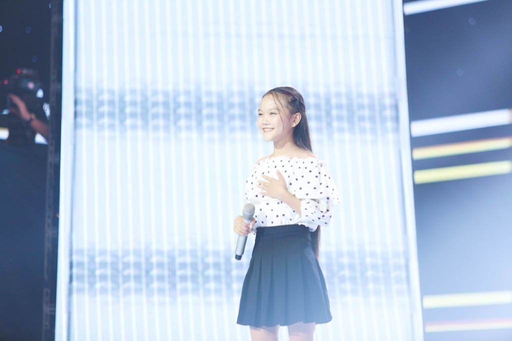 the voice kids ngoi xem cuoc chien thoi trang cua cac hlv tre giang ho ung dung co duoc chien binh vien ngoc quy