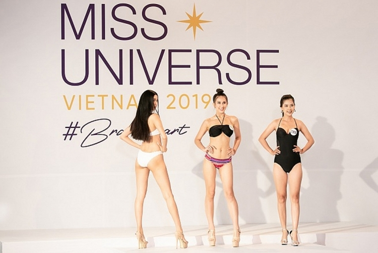 phan thi trinh dien bikini so khao phia nam hoa hau hoan vu viet nam 2019