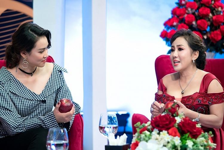 sieu mau vuong thu phuong lan dau trai long ve su co dem chung ket hoa hau viet nam 2012