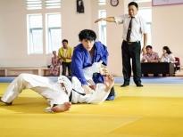 isaac luyen judo qua hang muon vat tat ca doan phim anh trai yeu quai