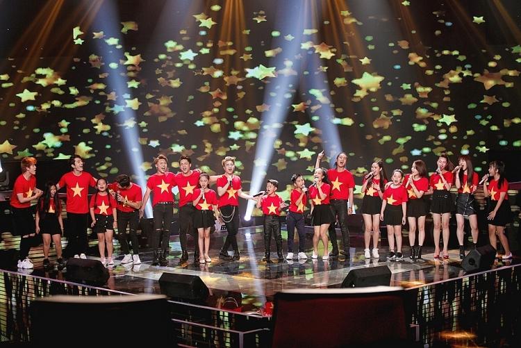 the voice kids luu thien huong va dan hoc tro dua khan gia song lai ky uc tuoi tho bang loat ca khuc moi