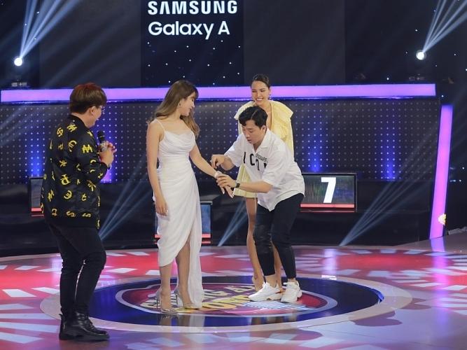 'Giọng ải giọng ai': Minh Triệu, Diệp Lâm Anh khiến Trấn Thành 'trầm trồ' trước nhan sắc xinh đẹp