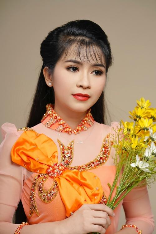 le dieu hien co dao thanh sac ven toan cua san khau cai luong