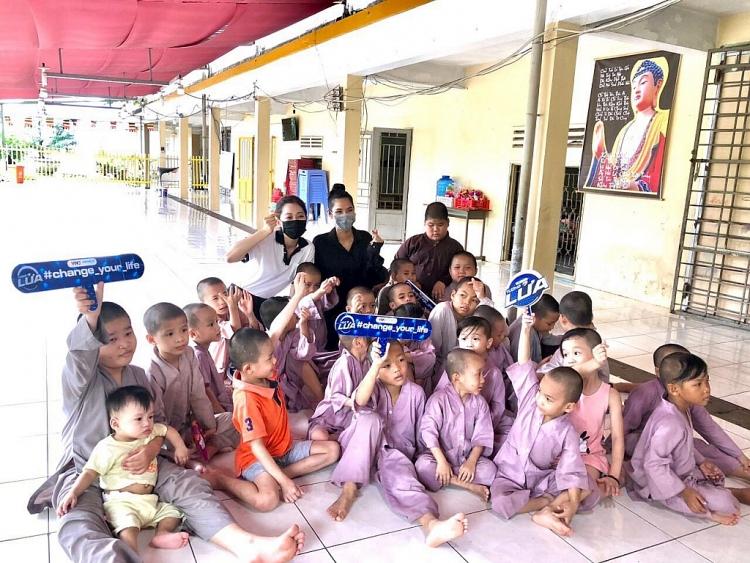 a hau hoang thuy bui phuong nga mang tien thuong tuong lua tang tre mo coi