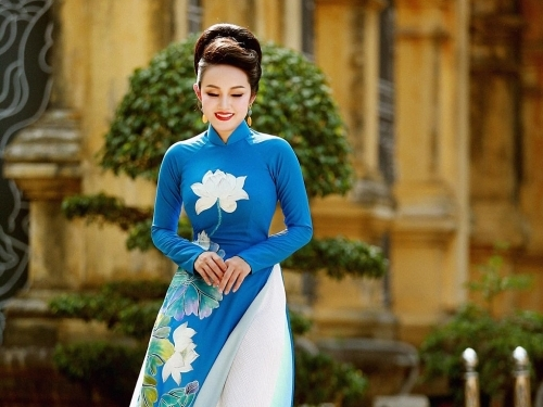 Cùng Amy Lê Anh ngắm mùa thu Hà Nội…