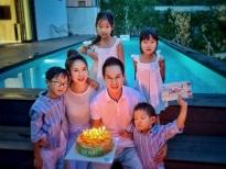 Lý Hải mừng sinh nhật bên vợ và 4 con