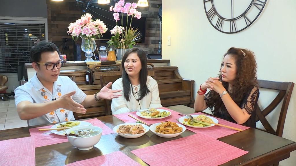'Gõ cửa thăm nhà' gặp lại ca sĩ Hoàng Hiệp: Ấm lòng tình nghệ sĩ Việt nâng đỡ nhau nơi xứ người