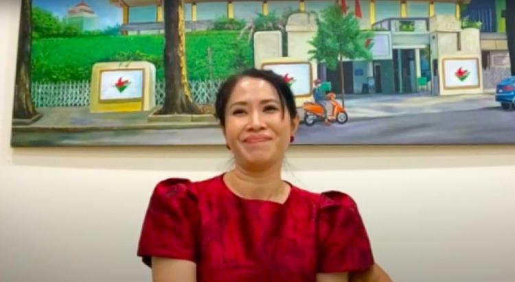 NSƯT Vũ Thành Vinh, MC Quỳnh Hoa, MC Đại Nghĩa, MC Thanh Thảo và MC Ngọc Diễm ngồi ghế nóng 'Én vàng 2021'