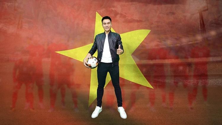 MC Minh Thắng khuấy đảo 'Én vàng 2021' với bài dẫn về bóng đá