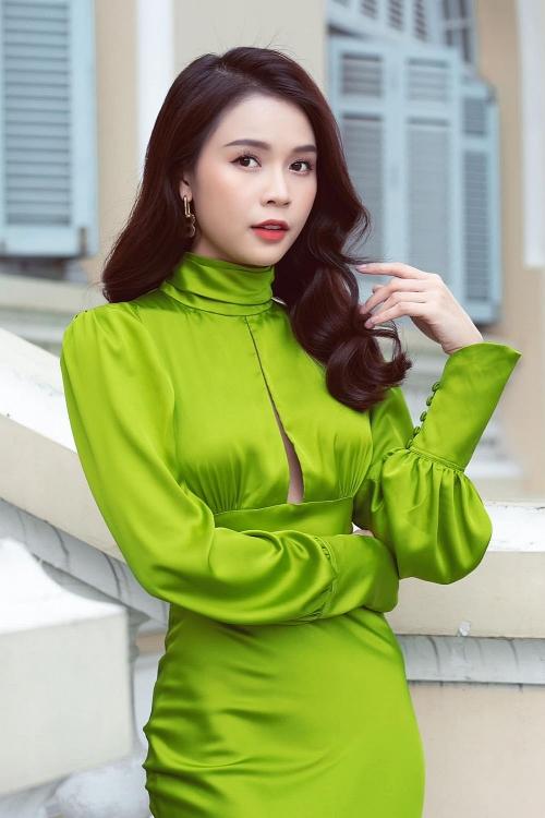Sao Việt cùng nhiều KOL 'đấu trí' nhau trong quizshow 'Ở đây có quà'
