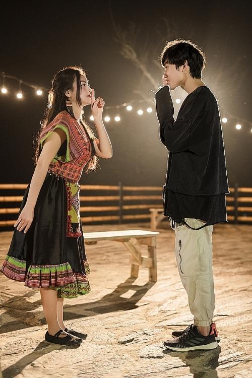 Cát Tiên 'mở màn' chuỗi ca khúc tự sáng tác và thể hiện bằng 'Cái mày ở lại đây nha!'