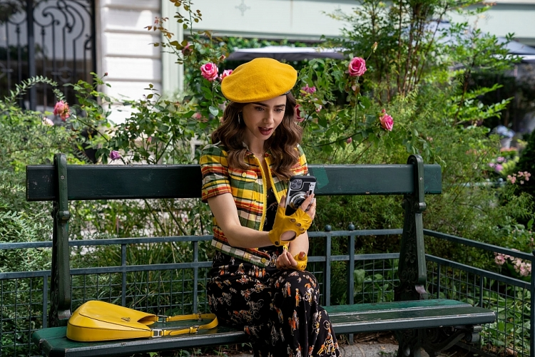 Kỳ nghỉ kiểu Pháp rực rỡ với sự trở lại của 'Emily in Paris' mùa 2 trên Netflix năm 2021