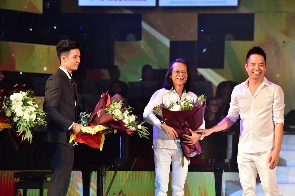 live concert quang ha cau noi yeu thuong guong vo lai lanh cho siu va chanh