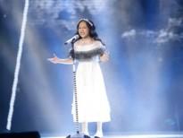 Hoài Ngọc mang 'Gió mùa về' dữ dội và 'thổi bay' sân khấu 'The Voice Kids'