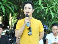 Quách Tuấn Du tổ chức sinh nhật giản dị, dành tiền phát quà thiện nguyện tại quê hương