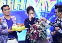 Được ekip chương trình 'Người nghệ sĩ đa tài' tổ chức sinh nhật bất ngờ, Việt Hương bật khóc nức nở