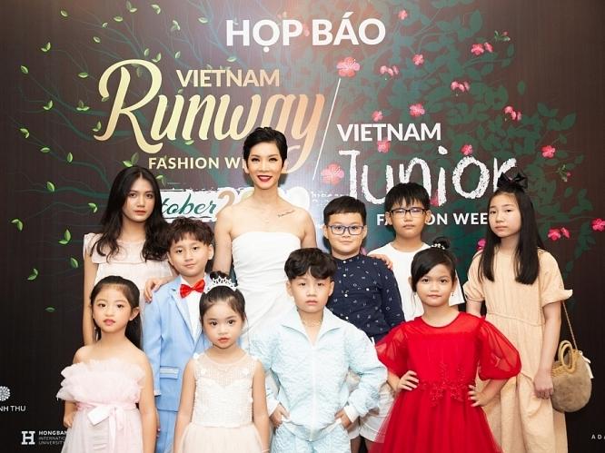 xuan lan ket hop 2 show dien thoi trang mang chu de rung