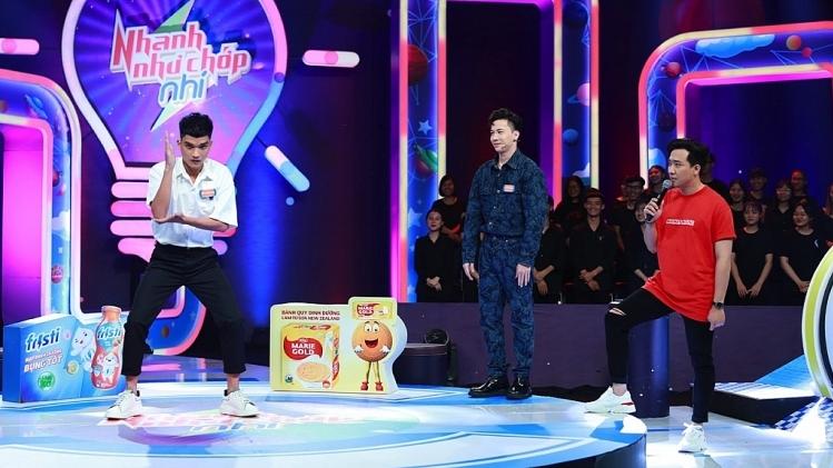 'Nhanh như chớp nhí':S.T Sơn Thạch nhảy 'Phiếu bé ngoan' bị Trấn Thành 'cà khịa'giống đạp đinh