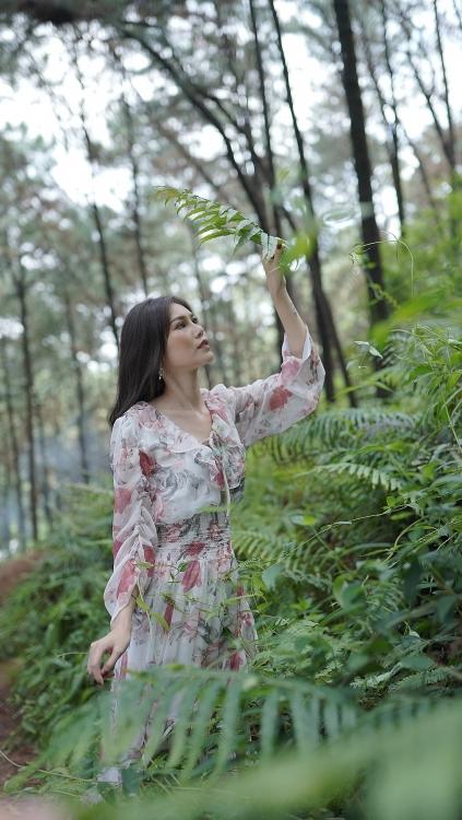 Ngan Giang ket hop voi An Nam ra mat MV 'Binh yen ke si tinh'