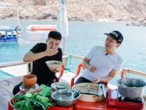 'Muốn ăn phải lăn vào bếp': Trường Giang suýt làm lộ 6 múi của Quân A.P