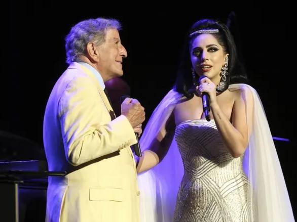 Huyền thoại Tony Bennett lập loạt kỷ lục với album mới cùng Lady Gaga