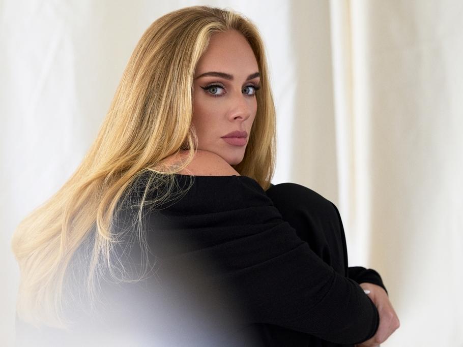 Thưởng thức ca khúc mới 'Easy on me' của Adele miễn phí trên Zing MP3