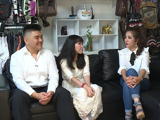 MC Thúy Nga khóc nghẹn trước chuyện tình cổ tích 17 năm của cô vợ Việt khuyết tật trên đất Mỹ