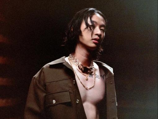 Hoàng tử lo-fi gốc Việt Keshi rũ bỏ hình tượng u sầu, lột xác trong single mới 'Somebody'