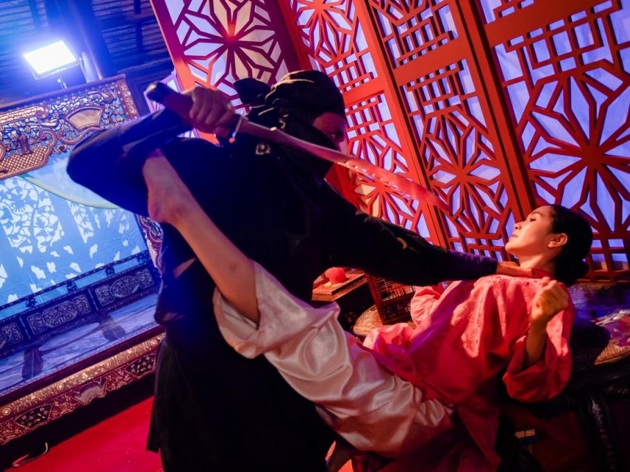 'Công chúa bến xe': Hậu trường đầy bạo lực giữa 'thánh nữ' Jang Mi và 'tiểu tam' Diễm Trần