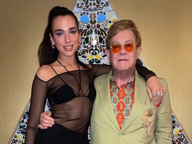 Thống lĩnh No.1 UK, huyền thoại Elton John phát hành luôn full album 'The Lockdown sessions'