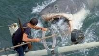 Đối mặt với nỗi sợ biển cả sâu thẳm và hàm cá mập sắc bén trong 'Great white'