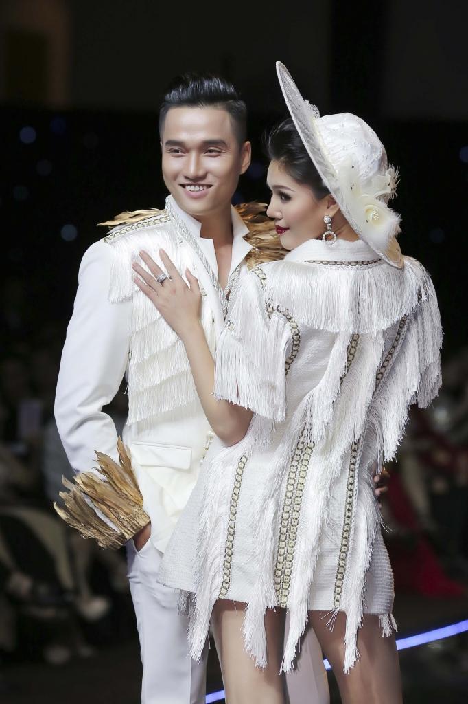 sieu mau hung tran dep doi cung a hau kim nguyen tren san catwalk