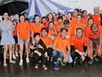 Hơn 100 nghệ sĩ nghệ sĩ đội mưa vì 'Nụ cười trẻ thơ'