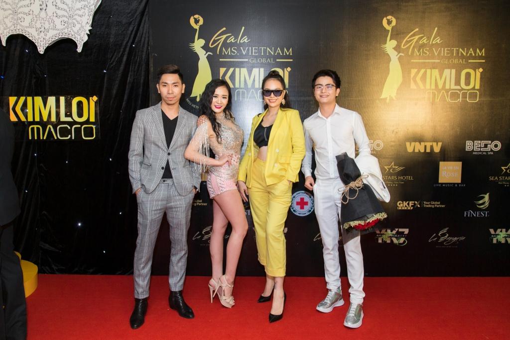 hoa hau july trang le rang ro khoe sac trong dem su kien cua miss vietnam global