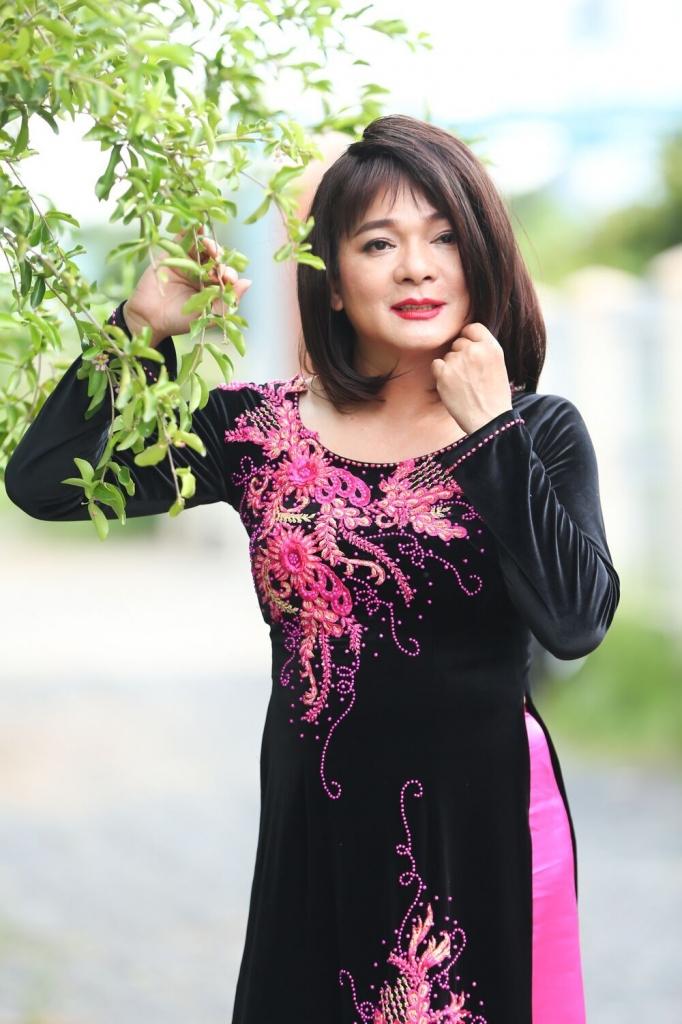 vu ha hoa nu thay boi duyen dang dieu da va tham tien trong gia dinh men cua hari won