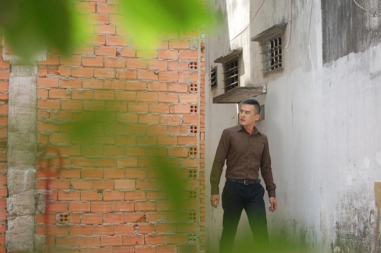 dao dien xuan phuoc bat mi nhung bi mat bat ngo cua phim khong loi thoat